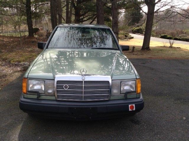 1989 Mercedes Benz 300E Sedan