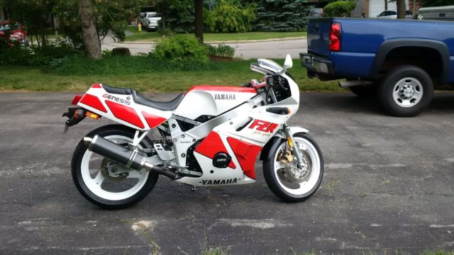 1989 Yamaha FZR in Excellent Condition