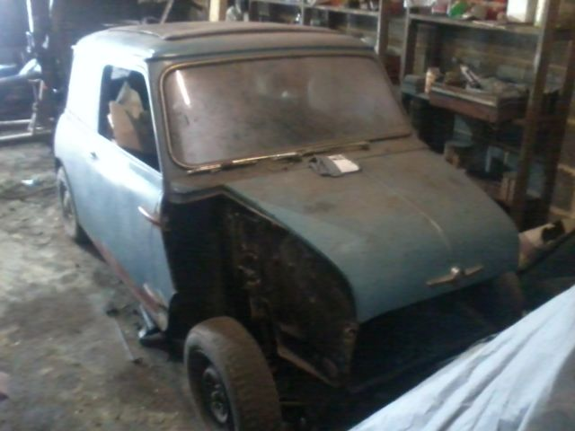 mk 1 mini 1960 solid, needs restoration **v5/vin plates found**