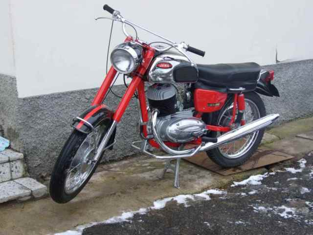 JAWA CALIFORNIA 3  1965-72  VINTAGE BIKE - $8000