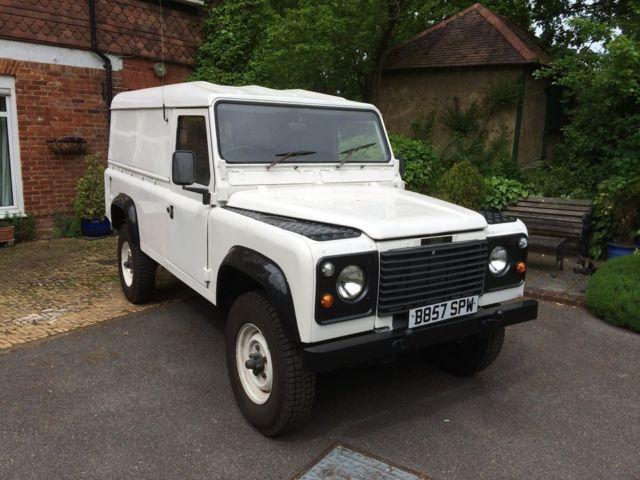 1985 Land Rover Defender utillity