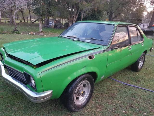 1975 LH HOLDEN TORANA 4 DOOR - 6cylinder MANUAL - RUNS - SOLID PROJECT