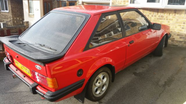 FORD ESCORT XR3 RED