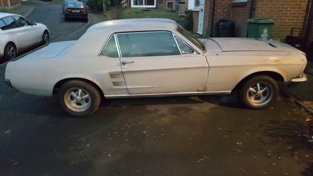 Ford mustang 1967 v8 project car