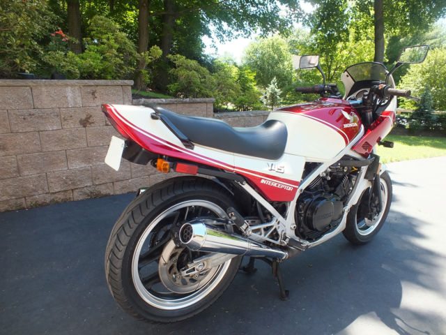 Honda 1983 VF750F Interceptor
