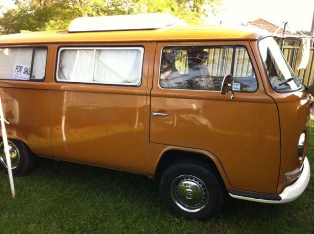 Volkswagen Kombi Lowlight Camper 1972 1600