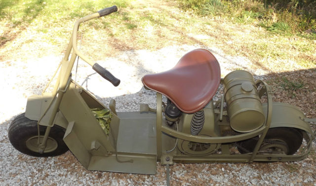 CUSHMAN AIRBORNE M53 PARACHUTE SCOOTER, 1944 DATED, U.S. WW2 ISSUE *NICE*