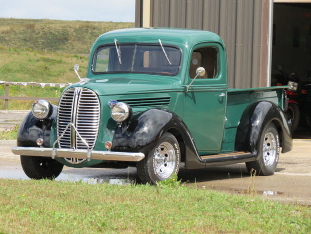 1938 Green & Black Totally Restored Stunning Truck, Great Driver