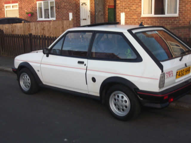 1988 FORD FIESTA XR2 WHITE