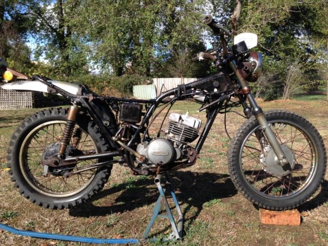Suzuki TS250 1973 restoration project vmx vinduro rat bobber chopper cafe parts