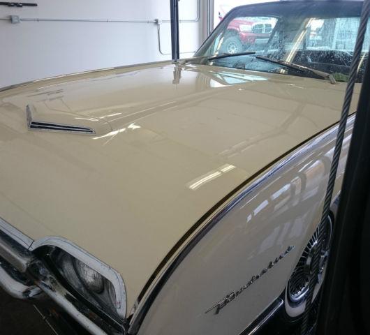 1962 Ford Thunderbird Base Hardtop 2-Door 6.4L