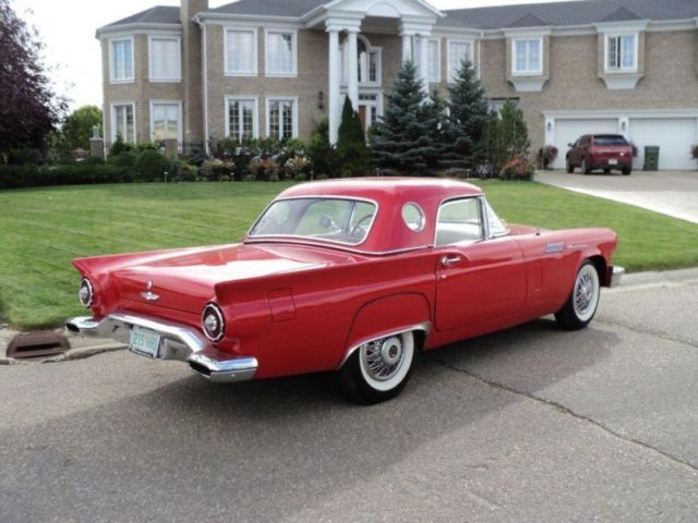 Ford : Thunderbird