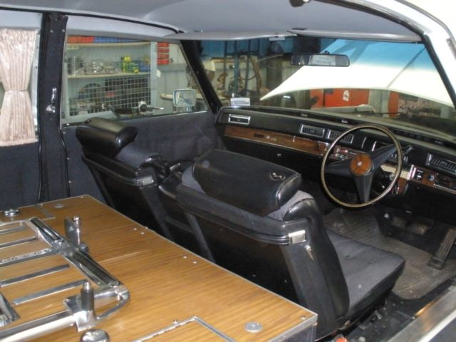 1976 Cadillac Hearse DeSeville, suicide door, stretch (hurst