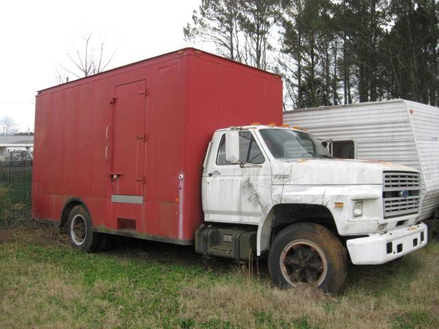 1990 Ford F600 Box Truck
