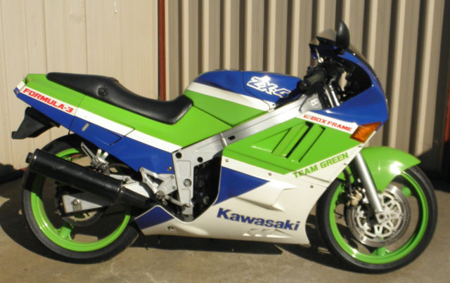 Kawasaki ZX-4 1988 early model ZXR400 4 cylinder sports tourer only 25,269 klms