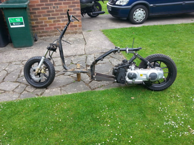 Honda Vision Met In / Aprilia 125 Lowrider Ruckus Cutdown Style Scooter Project