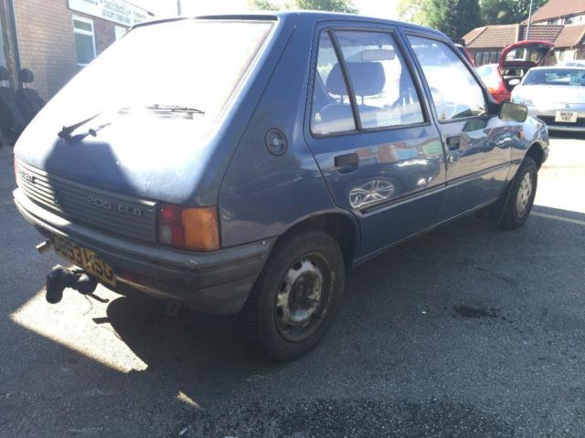 1990 G Peugeot 205 1 8 D Gld 5dr 1 Owner From New      12
