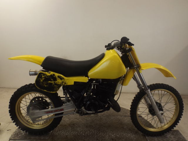 YAMAHA YZ490J 1982 2 STROKE EVO MOTOCROSS BIKE*EASY RESTORATION*RUNS & RIDES*