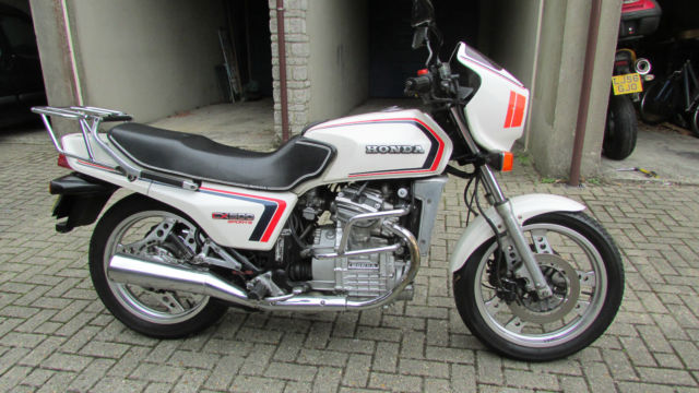 1983 HONDA CX500EC WHITE in excellent orig,condition..