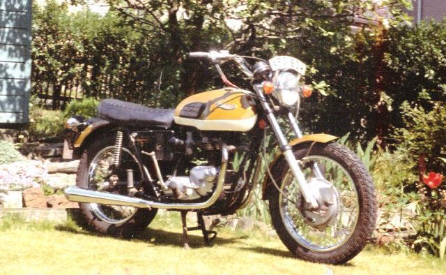 Triumph T120 Bonneville T120V