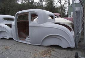 1932 Ford 5-window vintage fiberglass replica with 2inch
